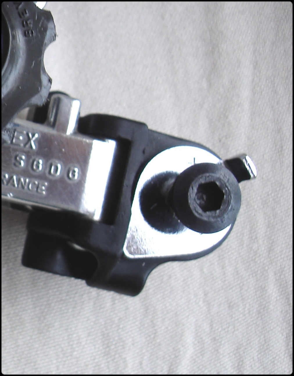 Simplex Lj 1000 Rear Derailleur Installation Peugeot Course Pb 12 Diagram To Remove The From Dropout Only Use Black Allen Bolt At Inner Face Of Tab As Shown In Photo Seen